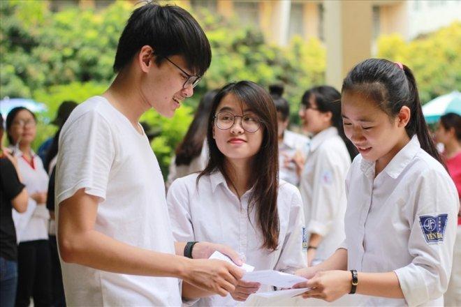 Học sinh Hà Nội chính thức đi học trở lại