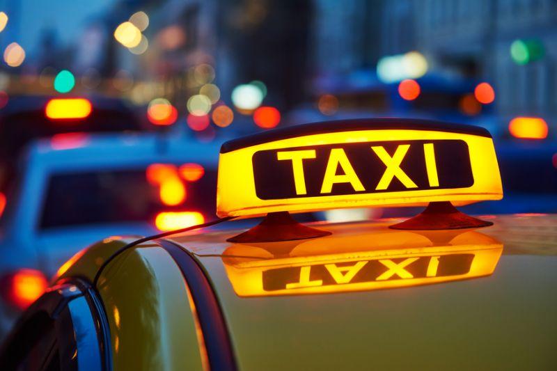 Tài xế taxi Grab được ký hợp đồng lao động và đóng BHXH