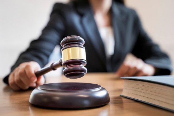Tòa án tiếp tục dừng xử án trong hạn đến hết 15/4