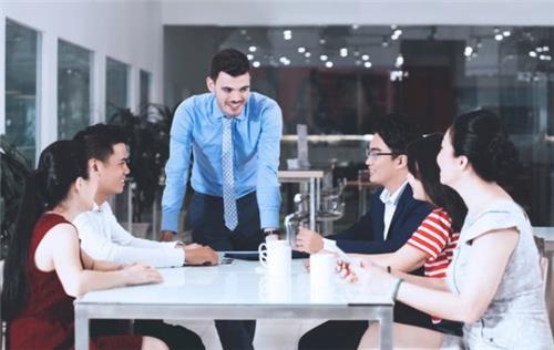 Thuê lao động nước ngoài: 3 thông tin cần nắm chắc