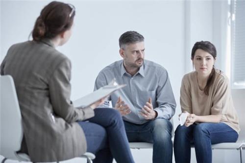 Có bắt buộc phải hòa giải khi giải quyết yêu cầu xin ly hôn?