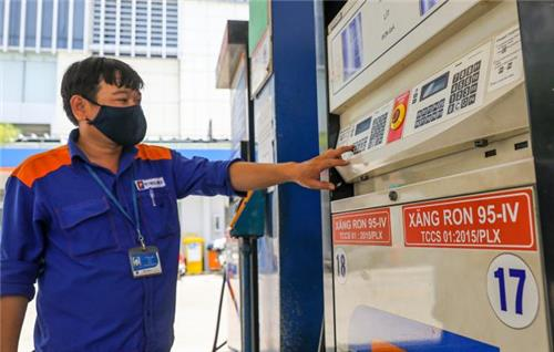 Giảm giá xăng, tăng giá dầu từ 15h ngày 27/10/2020